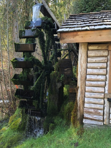 The Darby Waterwheel - Just past Alderbrook Resort