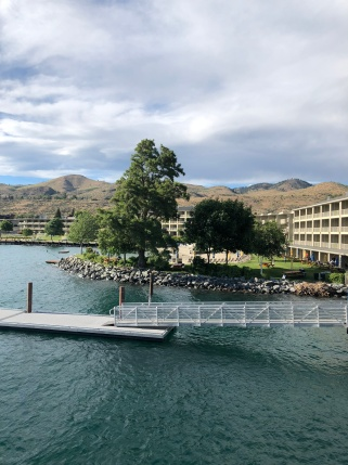 Beachside hotel action in Lake Chelan