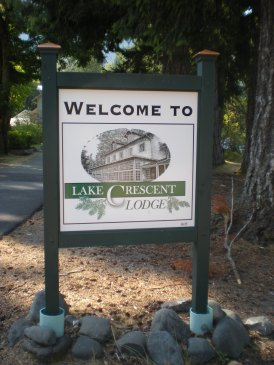 Welcome to Lake Crescent Lodge