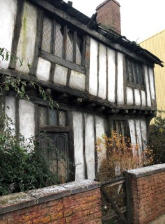 Godric's Hollow and Harry Potter's childhood home