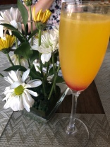 Mimosas and daisies = Lovely!