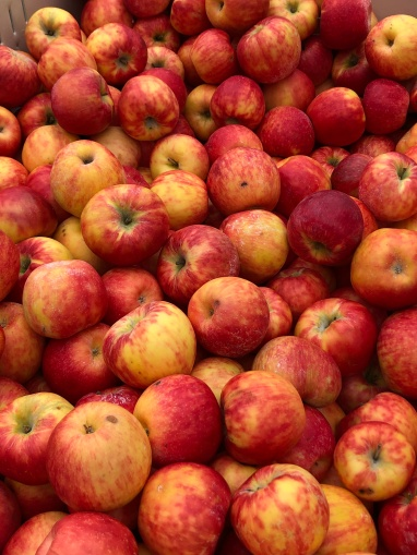 Market Apples