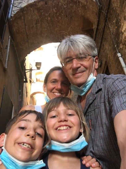 Famiglia on the road. Erica and Enrico with their two children, Gianluca (8) and Emma (11) in Abruzzo