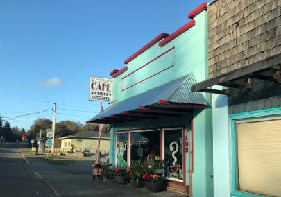 Shopping and coffee in downtown Ilwaco