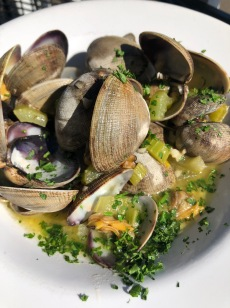 I'm dreaming about these clams...